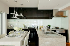 キッチン用カラーガラス