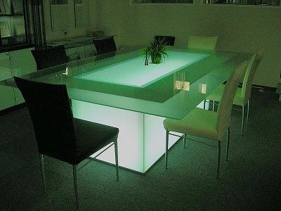 光ガラステーブル1
