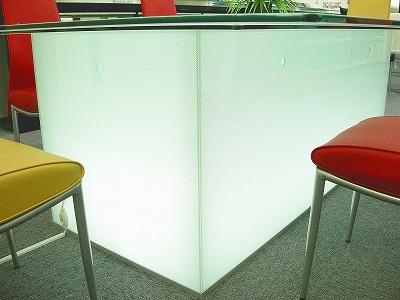 光ガラステーブル2